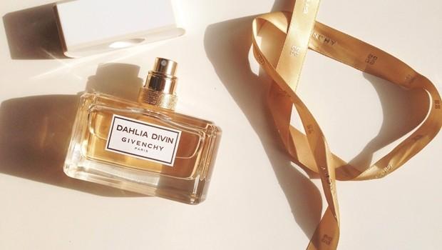 Dahlia_Divin_parfum_givenchy
