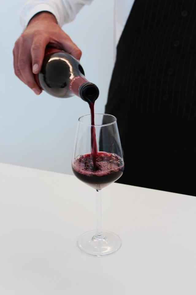 lamoresca_hotel_ragusa_aperitivo_vino_raffaellacatania