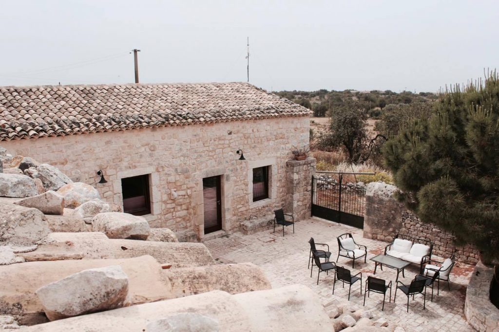 lechiusediguadagna_farmhouse_travel_blogger