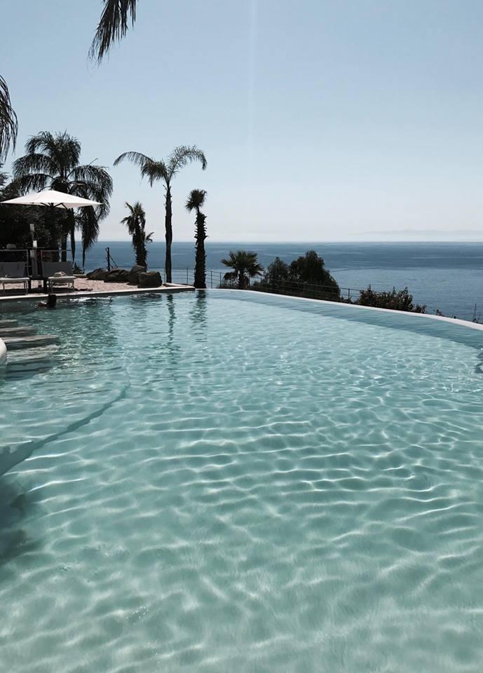 hotel_villa_enrica_piscina_lipari_vista_raffaellacatania_travel_blogger