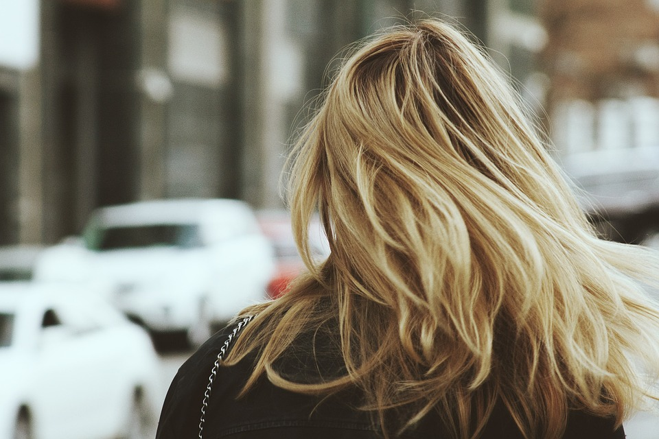 (thecoloursofmycloset.com) capelli secchi