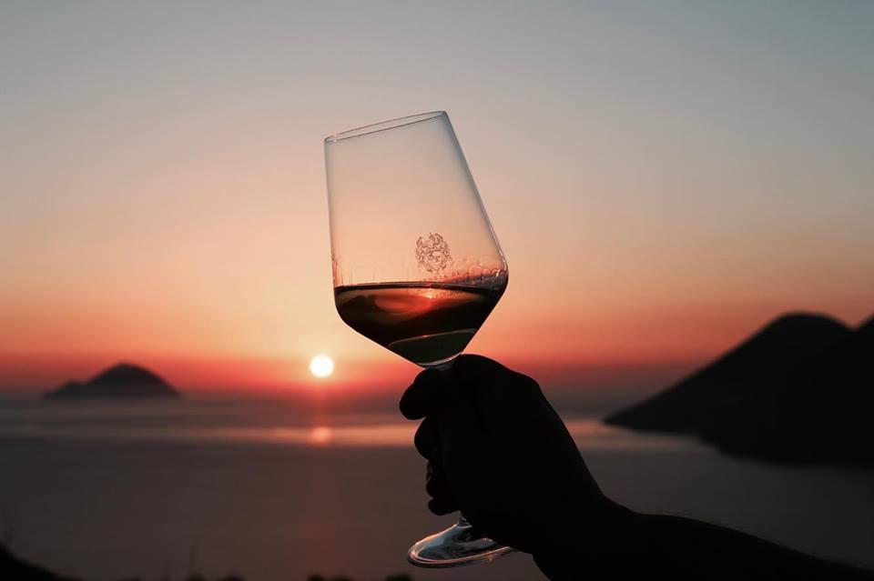 tenuta_di_castellaro_lipari_degustazione_al_tramonto