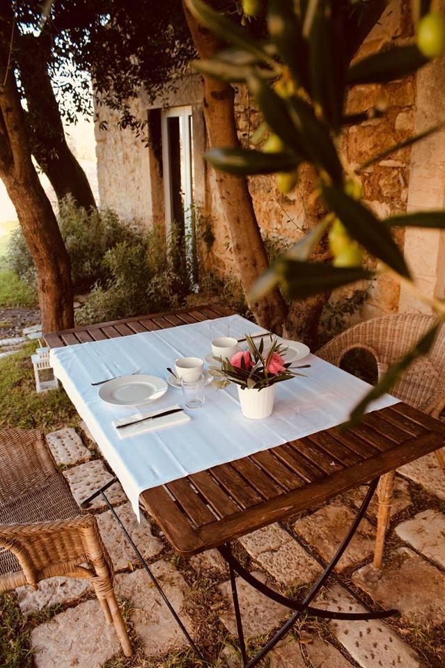 baglio_occhipinti_colazione_in_giardino_sicilia_vittoria