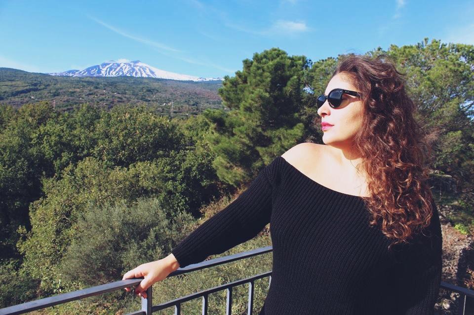 spalle_scoperte_maglione_nero_lifestyle_blogger_sicilia_raffaellacatania
