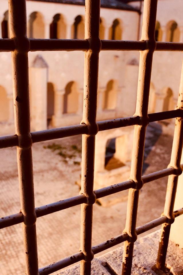 degustinbus_modica_bus_santa_maria_gesù_chiostro_ex_carcere_sicilia
