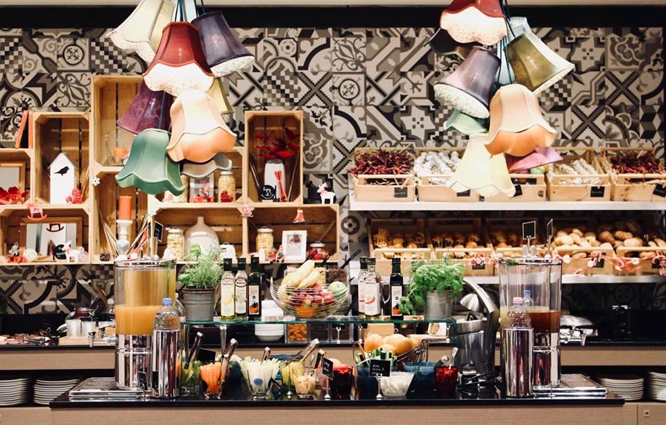 budapest_hotel_parlament_colazione_buffet_frutta_verdura