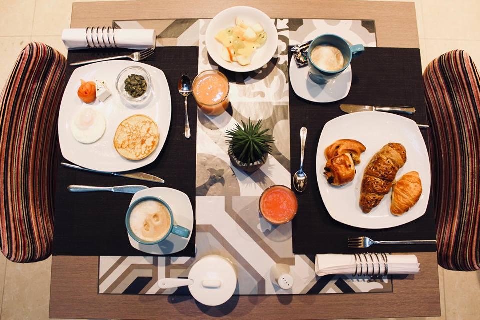 budapest_hotel_parlament_colazione_tavolo_dolce_salato