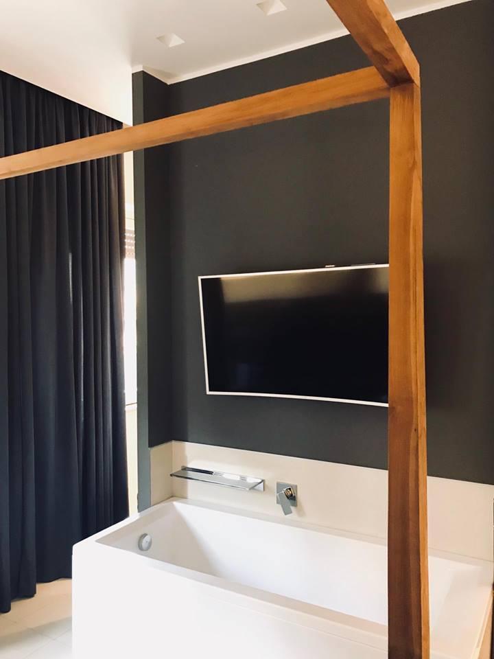 Suite136 un elegante b b in centro a palermo the colours of my closet - Vasca da bagno in camera ...