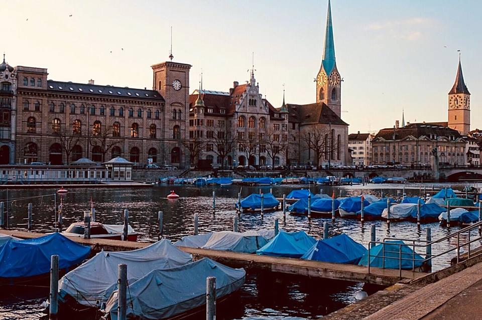 zurigo_lungo_fiume_thecoloursofmycloset_travel_blog