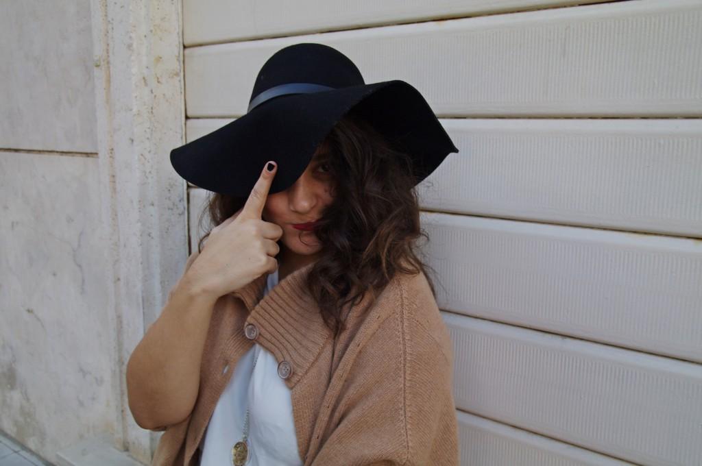 cappello_falda_grande_outfit