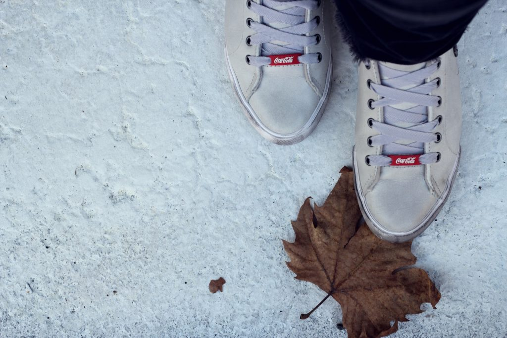 colacola_shoes_sneakers_bianche_pelle_outfit
