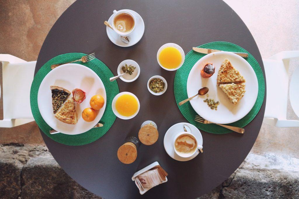 monaci_delle_terre_nere_colazione
