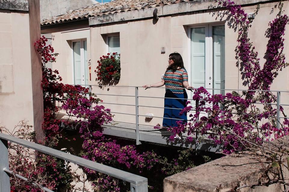 lamoresca_hotel_ragusa_secondo_piano_patio_raffaellacatania