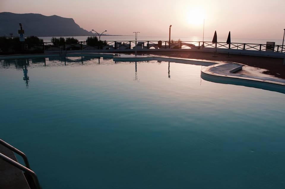 saracen_resort_palermo_piscina_tramonto