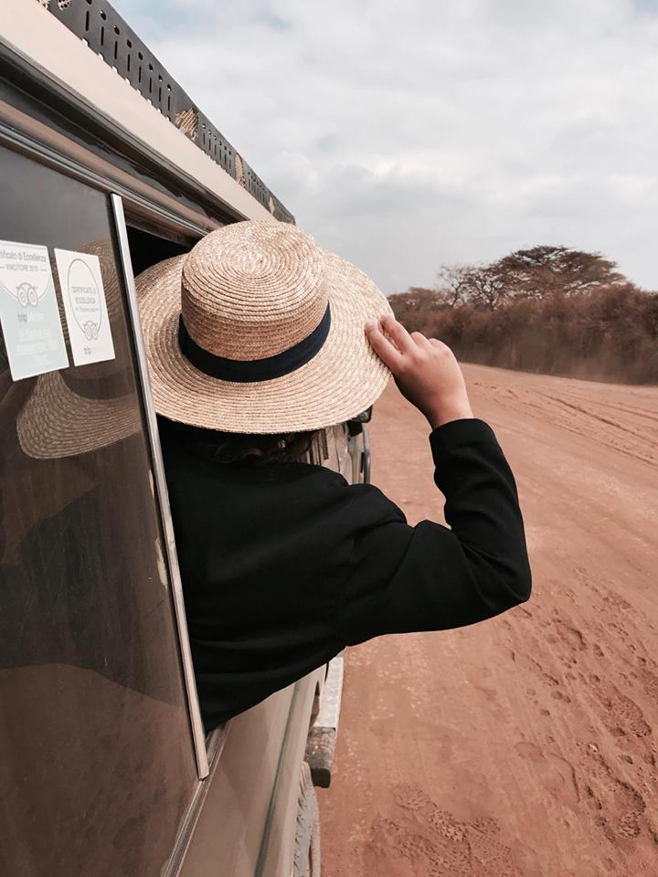 safari_kenya_travel_blogger_jeep_tsavo_est