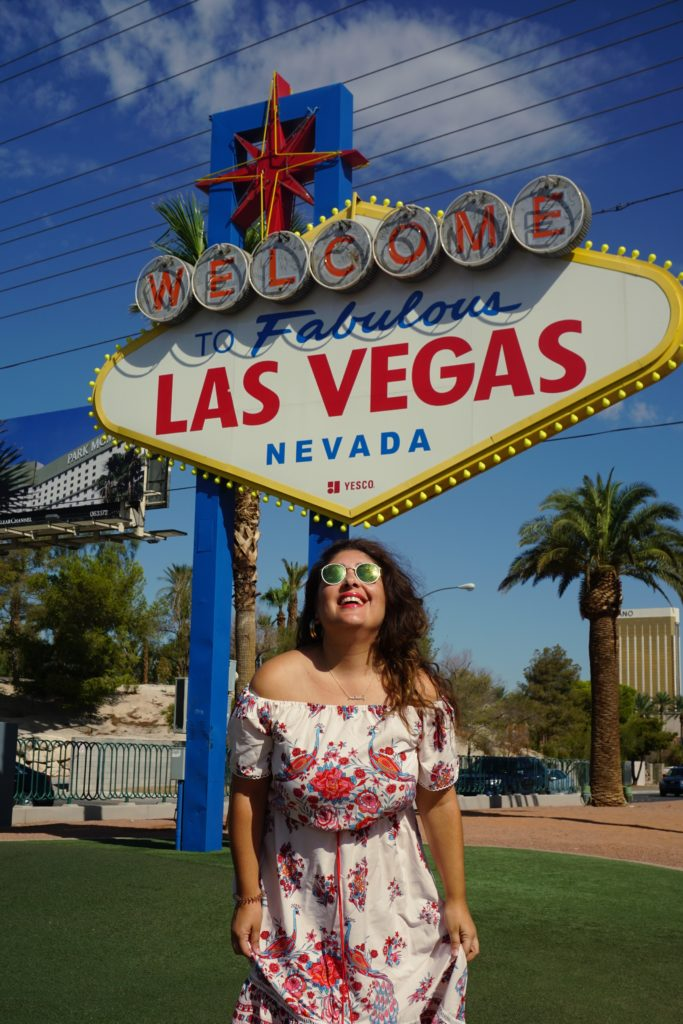 lasvegas_sign_raffaellacatania_travel_blogger