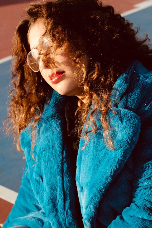 elvi_cappotto_eco_fur_azzurro_outfit_blogger