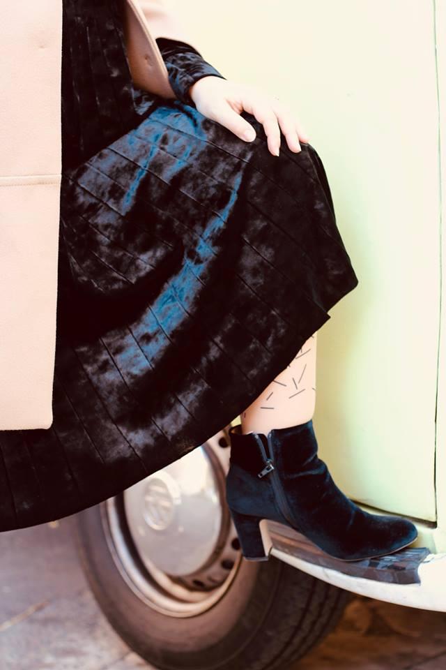 yoek_velvet_dress_plisse_outfit_blogger_raffaellacatania
